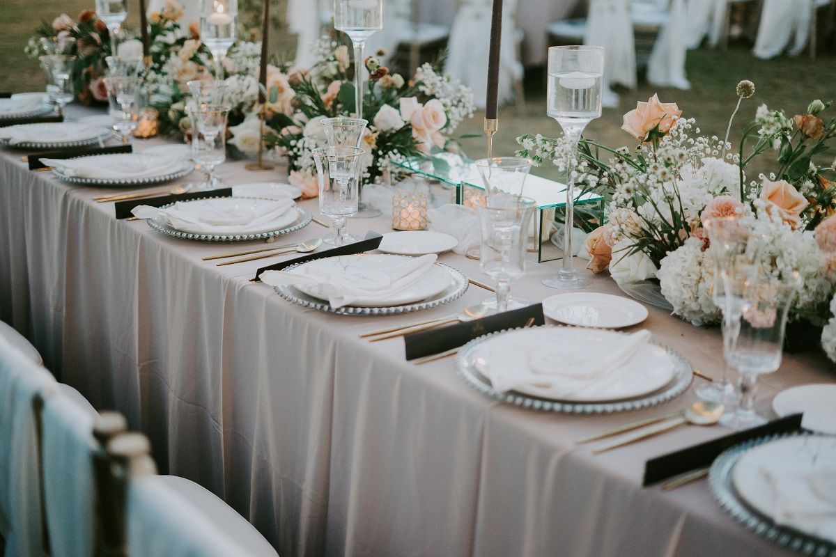 Six Tips on How to Host a Great Wedding Reception at Your Own Home
